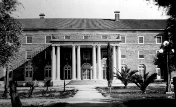 Maricopa Hall was constructed as a woman's dorm and completed in 1921. Naming of this building marked the beginning of using County names for dormitories.