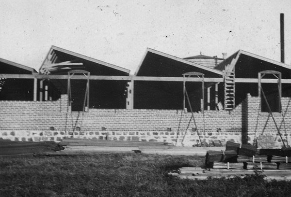 Construction of the 1st Mechanic Arts Building, originally named Manual Training Building