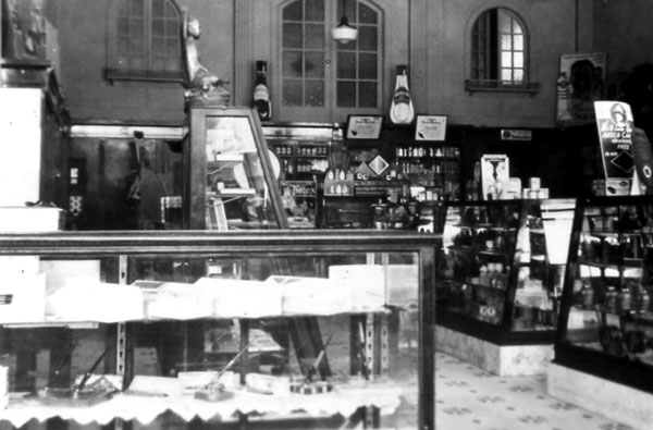 The interior of the University Drug Store. The rounded windows in the wall joining the Gift Shop building to the north were still visible in the 1990s.